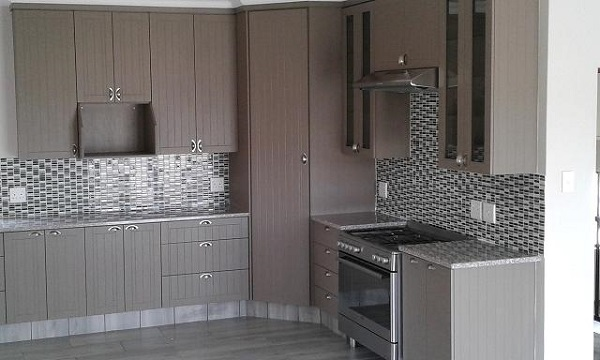 Exclusive kitchens flooring and blinds home improvements for Kitchens pretoria